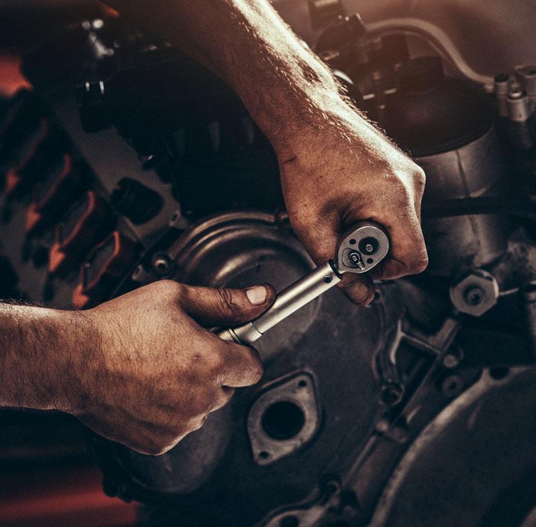 Naprawa silników
